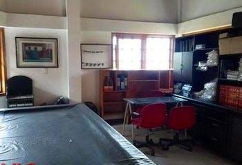 Casa en venta en Loma Del Atravezado de 4 habitaciones