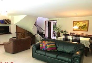 Canto Del Bosque, Casa en venta en Loma De Las Brujas, 214m² con Piscina...
