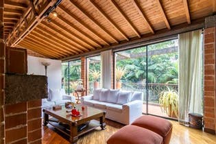 Casa en El Poblado-El Tesoro, con 4 Habitaciones - 230 mt2.