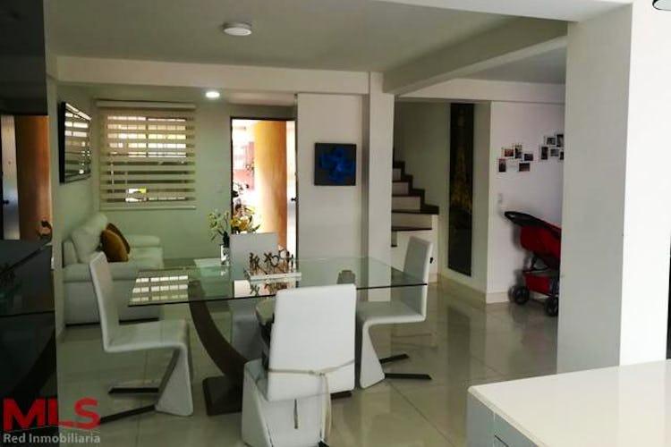 Portada Casa en Suramerica, Itagui - 150mt, tres niveles, cuatro alcobas