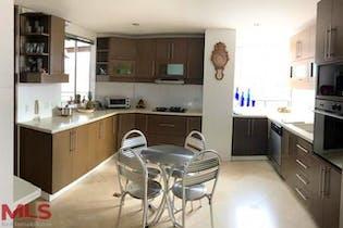 Potenza, Apartamento en venta en Los Almendros con acceso a Piscina