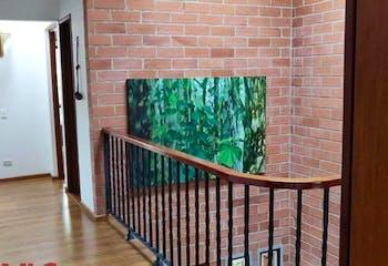 Casa en Loma de Cumbres, Envigado - 202mt, tres alcobas, terraza