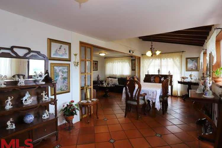 Portada Casa en venta en La Ceja, Antioquia, 4 Habitaciones- 204m2.