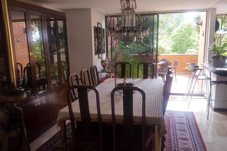 Portada Apartamento en El Tesoro-El Poblado, con 3 Habitaciones - 250 mt2.