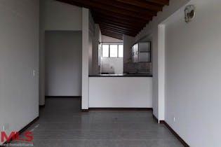 Apartamento en Los Colores, Estadio - 107mt, tres alcobas, balcón