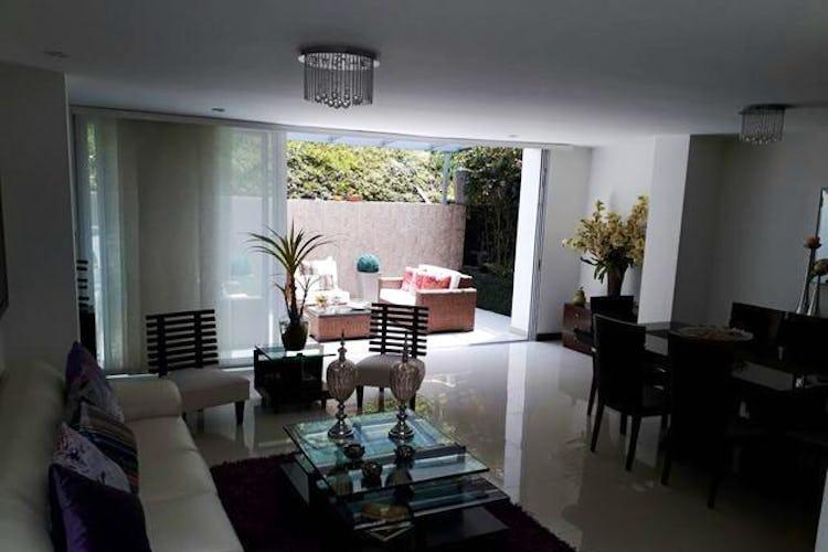 Portada Casa en Envigado-Loma del Atravezado, con 3 Habitaciones - 197.45 mt2.
