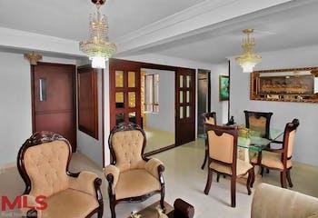 Apartamento en Loma de los Bernal, Belen - 94mt, tres alcobas, balcon