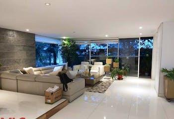Apartamento en Loma de Benedictinos, Envigado - 350mt, cinco alcobas, terraza