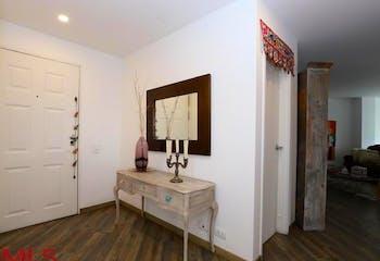 Altos De Niza, Apartamento en venta en Palmas de 141m²
