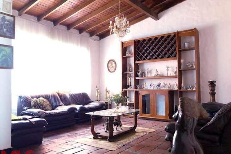 No se ha identificado el tipo de imágen para casa en conquistadores-medellín, con 10 habitaciones - 550 mt2.
