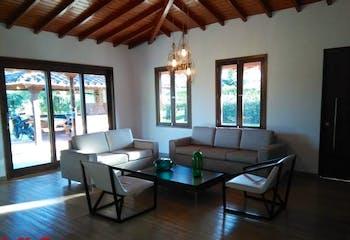 Casa campestre en venta en Chipre, Rionegro - 390mt