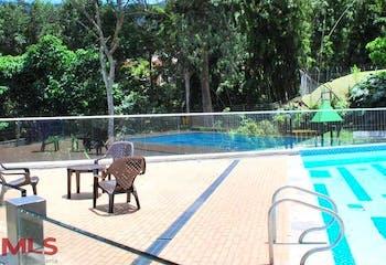 Casa en Loma del Atravezado, Envigado, Burdeos, 3 Habitaciones-227m2.