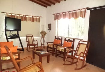 Finca en San Jerónimo, Paraje Llanos De Aguirre, 3 habitaciones- 180m2.
