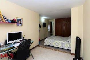 Prado Verde, Casa en venta en Calasanz de 4 hab. con Piscina...