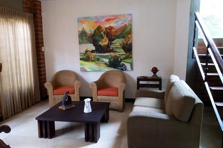 Portada Casa en venta en Asdesillas, 260mt de tres niveles