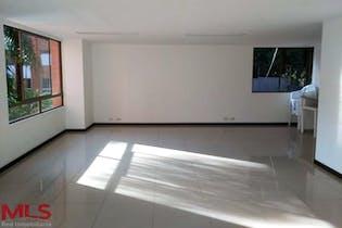 Apartamento en Maderos De Santa Maria,cuenta con tres habitaciones