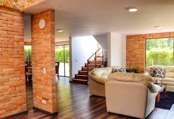 Casa en venta en Carrizales, 894mt con terraza
