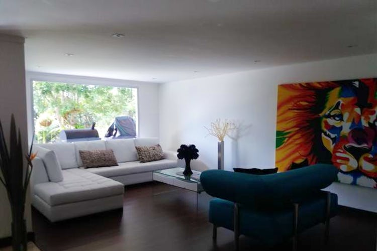 Portada Casa en Acuarela, Envigado, 3 Habitaciones- 600m2.