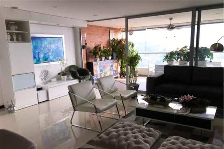 Portada Apartamento en venta en Loma de las Brujas, 160mt con balcon.