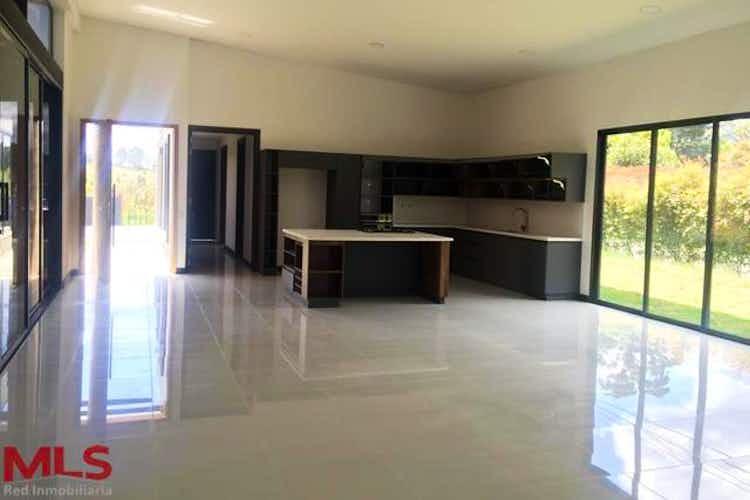 Portada Casa en venta en Alto de las Palmas de cuatro habitaciones.
