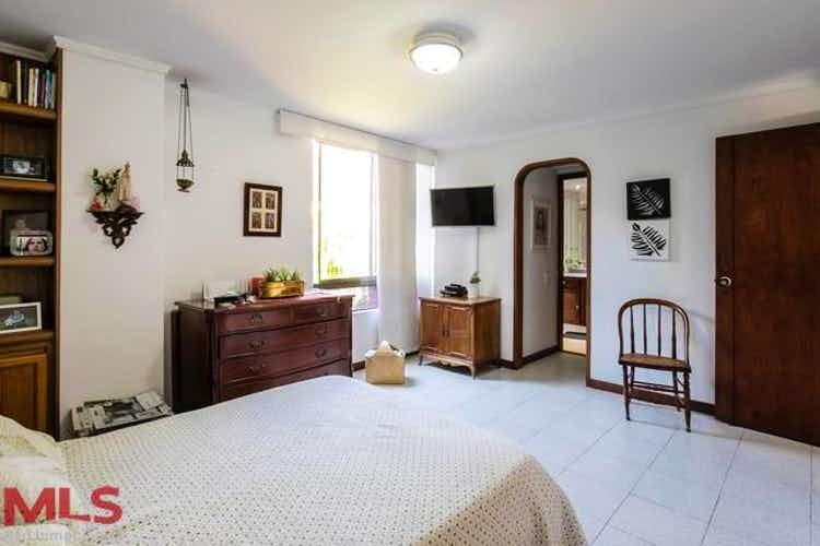 No se ha identificado el tipo de imágen para apartamento en san lucas, poblado - 158mt, tres alcobas, balcón
