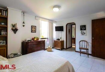 Apartamento en San Lucas, Poblado - 158mt, tres alcobas, balcón