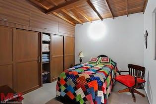 Casa en venta en Universidad Medellín de 4 hab. con Jardín...