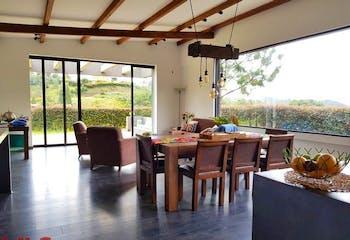 Casa en Envigado-Loma del Escobero, con 3 Habitaciones - 370 mt2.