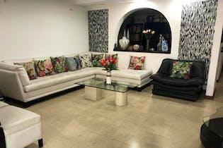 Jardines De La Calera, Casa en venta en El Tesoro de 4 habitaciones