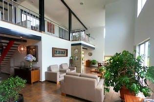 Casa en Alto del Escobero, Envigado - 374mt, tres alcobas, terraza