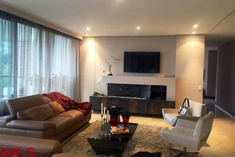 Portada Apartamento en El Poblado-El Tesoro, con 3 Alcobas - 275 mt2.