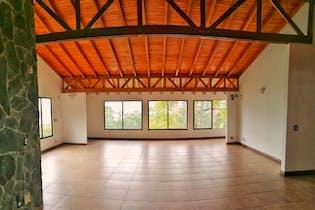 Casa en Los Balsos, Poblado - 350mt, tres alcobas, jacuzzi
