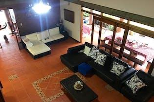 Casa finca en Carrizales, El Retiro - 220mt, cuatro alcobas, terraza