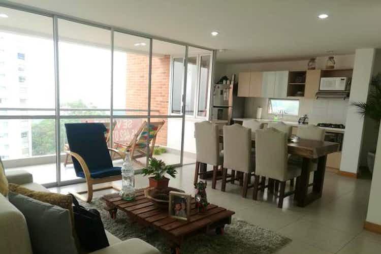 Portada Apartamento en El Esmeraldal, Envigado - 110mt, tres alcobas, balcón