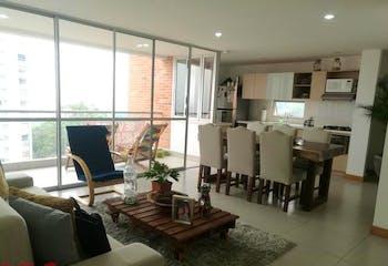 Apartamento en El Esmeraldal, Envigado - 110mt, tres alcobas, balcón