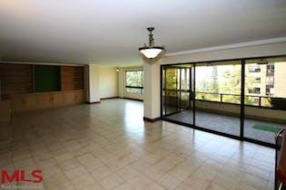 Apartamento de 222m2 en el Poblado, San Lucas - con tres habitaciones