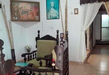 Casa en Urbano, San Antonio de Prado, cuenta con cinco habitaciones.