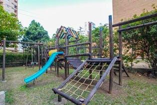 Apartamento en La Aguacatala, El Pöblado - Cuatro alcobas