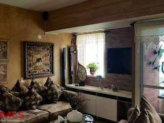 Una sala de estar llena de muebles y una ventana en Florida de Norte America
