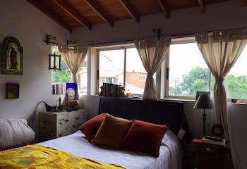 Tierra Linda, Casa en venta en Loma Del Atravezado de 4 alcobas
