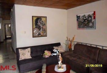 Casa en venta en El Pomar de 4 habitaciones