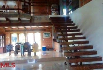 Casa en Rionegro-La Mosquita, con 4 Habitaciones - 300 mt2.