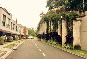 Be House, Casa en venta en Loma Del Atravezado de 215m² con Jardín...