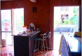 Casa en venta en Santa Fe de Antioquia de tres habitaciones