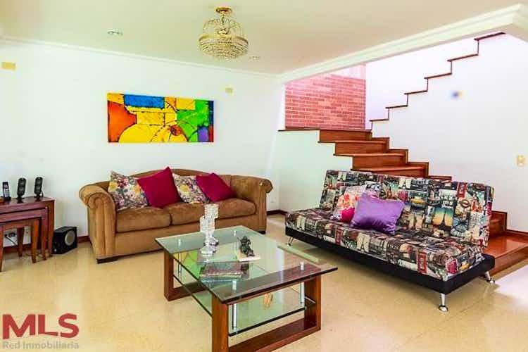 Portada Casa en El Poblado-EL Tesoro, con 4 Habitaciones - 246 mt2.