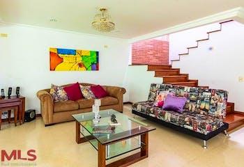 Casa en El Poblado-EL Tesoro, con 4 Habitaciones - 246 mt2.
