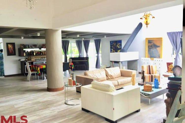Portada Casa en Alto de las Palmas, Envigado - 719mt, cuatro alcobas, terraza