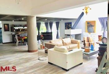 Casa en Alto de las Palmas, Envigado - 719mt, cuatro alcobas, terraza