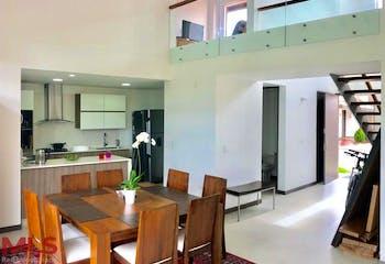 Casa en El Retiro, El Retiro - 183mt, dos niveles, tres alcobas