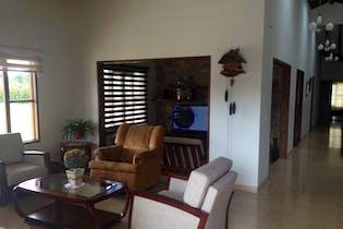 Casa en Rionegro- V. Amalita, con 4 Habitaciones - 350 mt2.